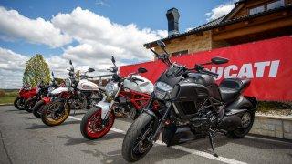 Rozdej si to s Italkou na Ducati Tour 2018