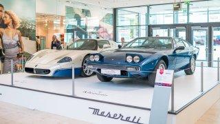 Pražské obchodní centrum hostí velkou výstavu Maserati