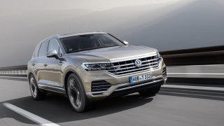 Ekolog s osmiválcem pod kapotou: Obří SUV Volkswagen Touareg V8 TDI má nizoučké emise oxidu dusíku