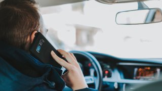 Nový ředitel dopravní policie Zlý: Zpřísníme sankce pro řidiče, kteří telefonují za volantem