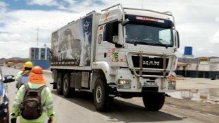Kamiony musí jet v koloně max. 80 km/h
