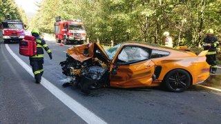 Policie ukončila vyšetřování tragické nehody mustangu a rapida. Řidiči fordu hrozí šest let vězení