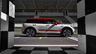 MINI John Cooper Works Clubman 8