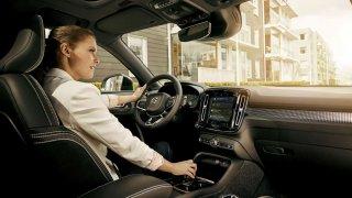 Volvo Cars integruje do infotainmentu služby Google
