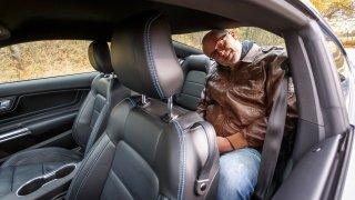 Ford Mustang interiér 15