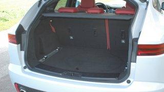 Jaguar E-Pace interier 4