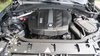 BMW X3 xDrive20d interiér 1