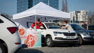 V těžké době se rozjela vlna solidarity a pomoci. Automobilová branže nezůstává pozadu