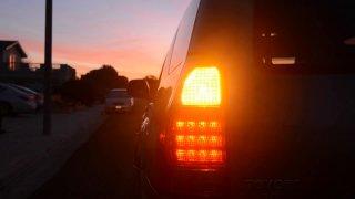 Kašlat na blinkry není jen nešvar řidičů BMW. Kvůli lenosti houstne doprava a hrozí nehody