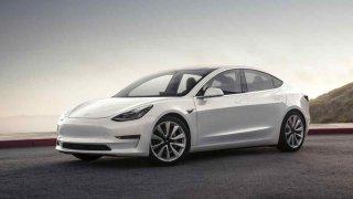 10. místo Tesla Model 3