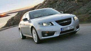 Z kdysi bídně prodávaného auta se v Česku stala drahá a vzácná ojetina. Kdo ji má v garáži, vyhrál