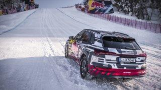 Audi e-tron na sjezdovce Streif 2