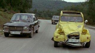 Citroën 2CV6 ve filmu s Jamesem Bondem