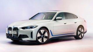BMW vytasilo zbraň na Teslu Model 3. Elektromobil i4 vyvine až 530 koní a ujede 590 km na nabití