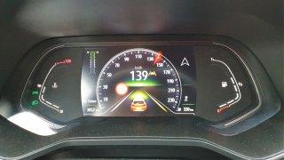 Na tachometru 140 km/h a jedete podle předpisů? Pozor, s tím je konec! Nové škodovky měří přesně
