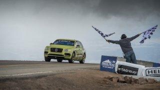 Bentley Bentayga s rekordem na Pikes Peaku