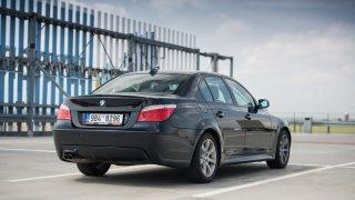 BMW 530i E60 exteriér 1