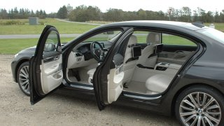 BMW 730d interiér 3