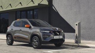 Dacia a Renault chtějí odsunout zákaz spalovacích motorů. Musely by zdražit