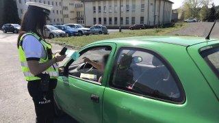 Někdo vás naboural a policie zabavila techničák poškozeného auta. Jaké náklady dostanete zpět?
