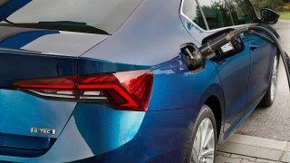 Škoda Octavia se dá nově koupit na zemní plyn s manuálním řazením. Ceny startují nad půl miliónem