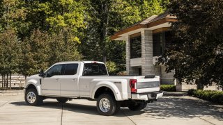 Ford F-450 Limited 3