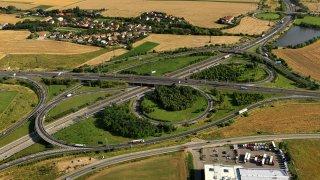 Ministerstvo dopravy vylepšuje skóre. Do konce roku otevře 25 kilometrů nových dálnic