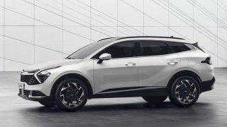 Nová Kia Sportage oficiálně: Je výrazná jako Hyundai Tucson a brousí si zuby na Škodu Karoq