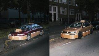 Tajemný fantom po nocích vylepšuje auta kartonem 4
