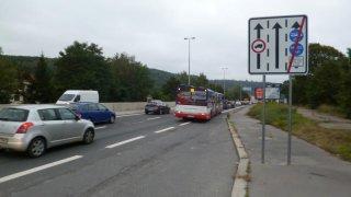 zrušení bus pruhů pro auta
