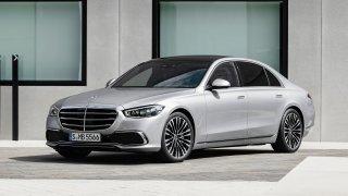 BMW a Mercedes se zase kočkují. Tentokrát Mnichovští vtipně zareagovali na novou generaci třídy S