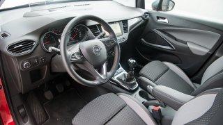 Opel Crossland X interiér 3