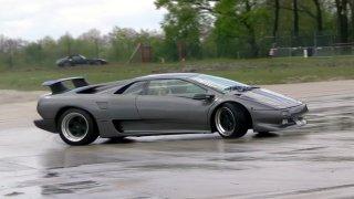Takhle driftuje Lamborghini Diablo. A není to vůbec lehké!