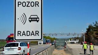 Radary na D1 už rozdaly desítky tisíc pokut. Provoz je klidnější