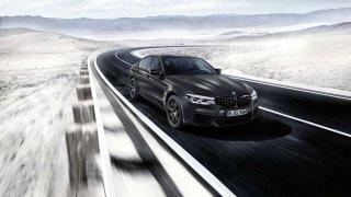 BMW oslavuje 35 let modelu M5