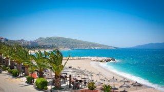 Albánské pláže aneb balkánská matějská pouť