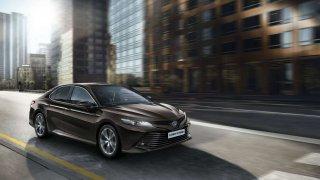 Toyota Camry se vrací do Evropy. S nejnovějším hybridním pohonem.