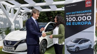 Sto tisíc vozů Nissan LEAF v Evropě