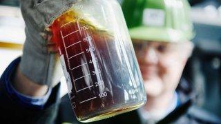 Plastový odpad se mění na ropu