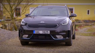 Test dvou plug-in hybridů: SUV Kia Niro vs. kombík Kia Optima