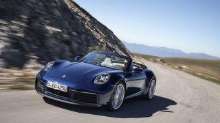 S větrem ve vlasech. Nové Porsche 911 Cabriolet.