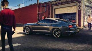 Ford Mustang bude ve městě díky nové funkci nenápa