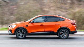 První test Renaultu Arkana TCe 140: BMW a Mercedes se ho bát nemusejí, zato Škodovka či Hyundai ano