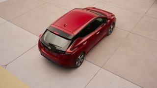 Nový Nissan Leaf je tu. Vypadá dobře a ujede 380 k