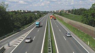 Poslanec ANO navrhuje výrazné zdražení dálničních známek
