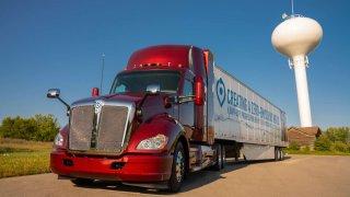 Vodíkový kamion od Toyoty ujede na jedno natankování 480 km