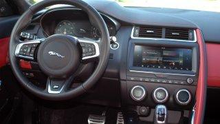 Jaguar E-Pace interier 1