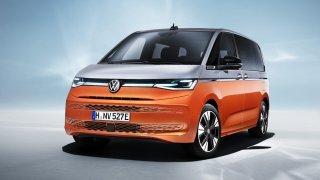 Nový Volkswagen Multivan je v Česku. Láká na dobrou první cenu i úspornou verzi do zásuvky