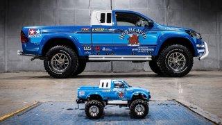 Toyota přenesla legendární hračku do reality. Postavila Hilux Bruiser