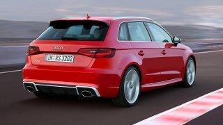 Audi RS3 je na ledě jako doma - Obrázek 2